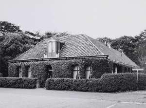 Zuilenhof (Bron: Bruinsma, T - collectie Regionaal Archief Alkmaar)